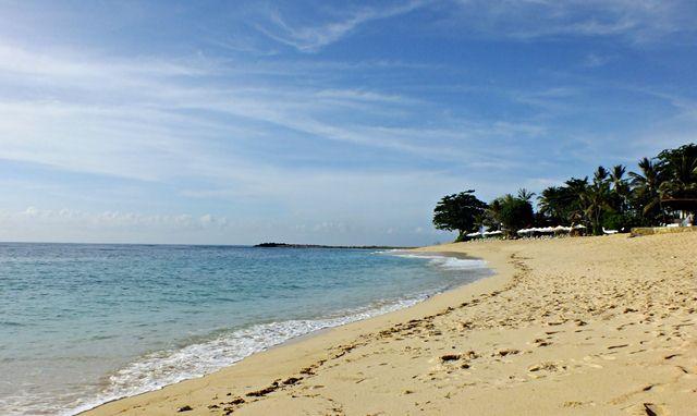 Mengapa Foto di Pantai Biasanya enak dilihat