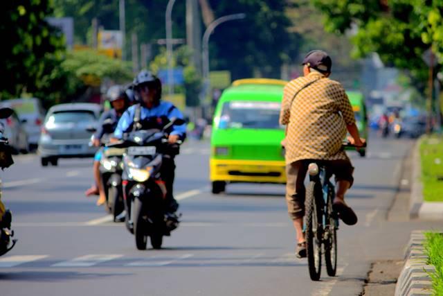 Memotret Di Jalanan Berhenti Pada Satu Titik atau Terus Berjalan