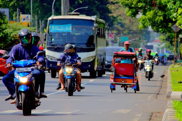 Memotret di Jalanan Berhenti di Satu Tittik Lebih Menguntungkan