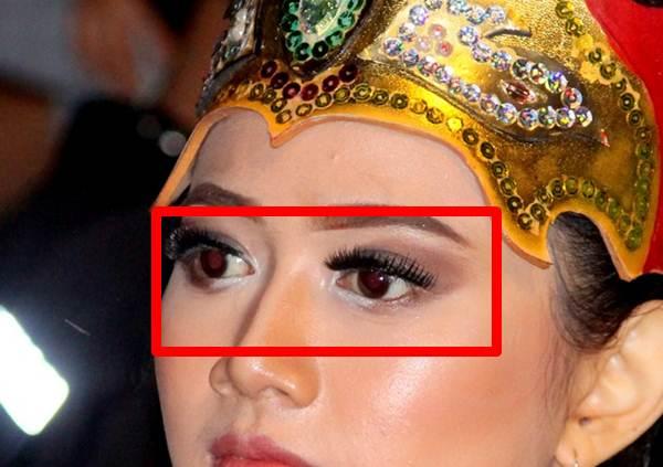 Fitur Red Eye Reduction Hanya Mengurangi Bukan Menghilangkan Mata Merah