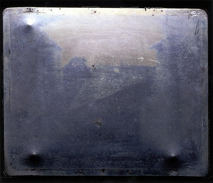hasil karya fotografi pertama Joseph Nicéphore Niépce